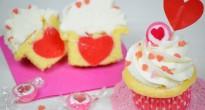 cupcakes di San Valentino con il cuore dentro