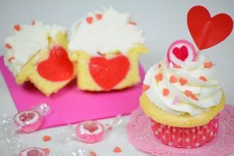 cupcakes di San Valetino con il cuore dentro