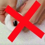 Rimuovere lo smalto SENZA danneggiare le unghie