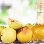 Pulizia del viso con l'aceto di mele