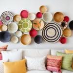 Dieci idee per decorare una parete bianca