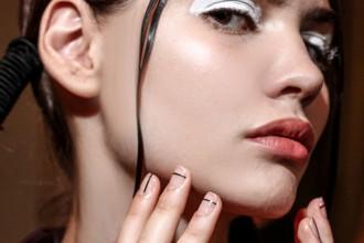 unghie-line-manicure