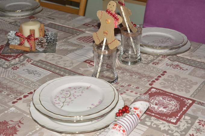 Diy 3 idee per apparecchiare la tavola di natale wegirls - Tavola di natale fai da te ...
