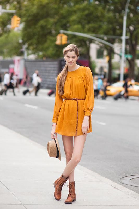 vestito giallo senape