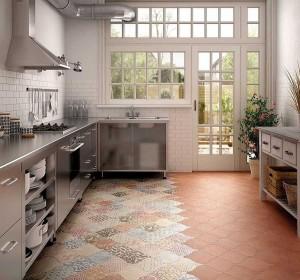 8d99d3c52b_due-materiali-dai-al-tuo-pavimento-della-cucina-multiple-personalita-con-mosaico-di-piastrelle-patchwork-a-motivi-geometrici